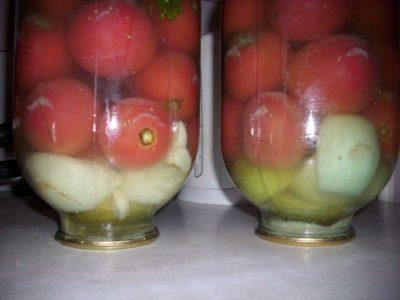 помидоры соленые в банках как бочковые